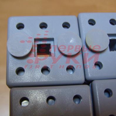 Крючки невидимки для крепления фотопанелей на решётку мобильного выставочного стенда Magnumm Elit